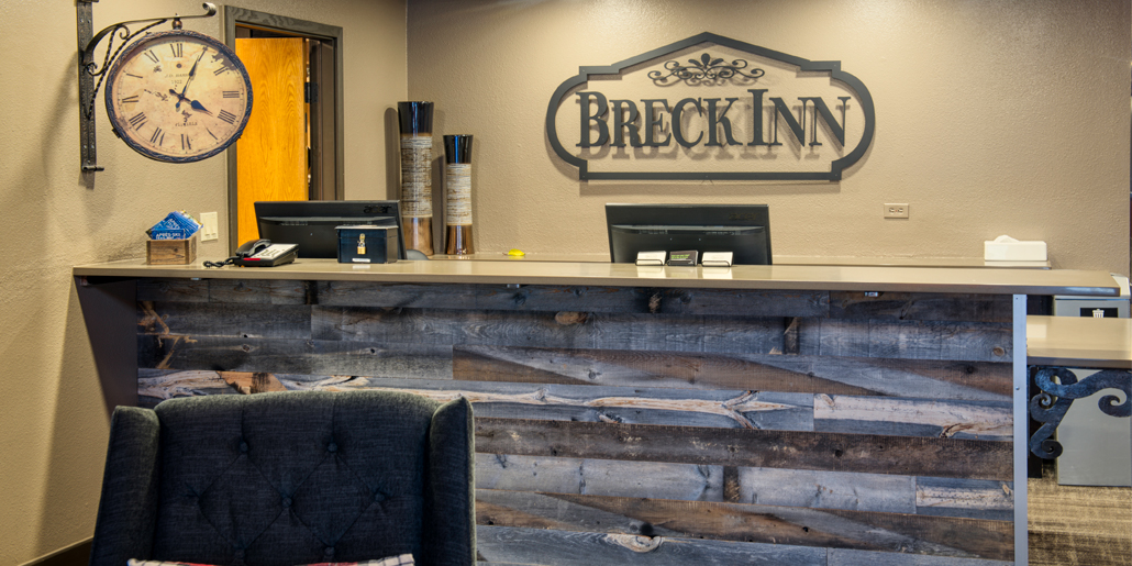 Breck Inn Front Desk Check In